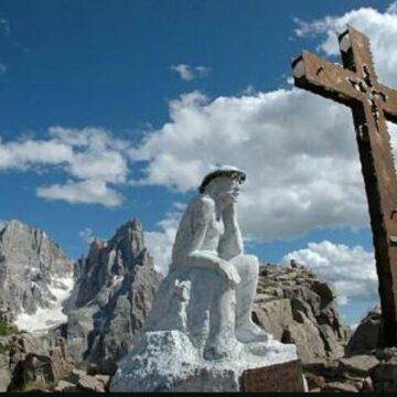 Trekking del Cristo Pensante delle Dolomiti 2017